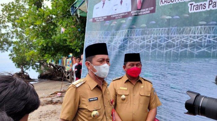 Rumah Warga Bolsel di Tepi Pantai Bakal Direlokasi, Iskandar Kamaru: Kami Siapkan Dulu Rumahnya