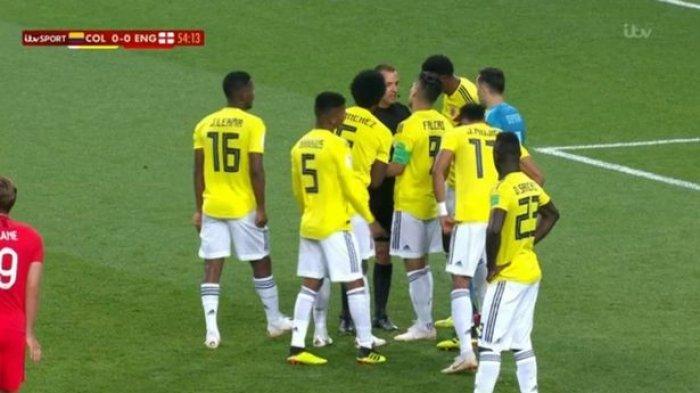 Tertangkap Kamera, Ini yang Dilakukan Pemain Kolombia untuk Sabotase Penalti Harry Kane