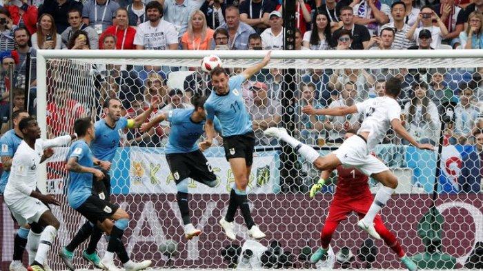 Hasil Babak Pertama Uruguay Vs Prancis: Tandukan Varane Bawa Les Blue Unggul