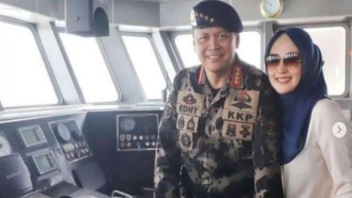 Istri Edhy Prabowo, yakni Iis Rosita Dewi diduga terlibat terima aliran dana suap izin ekspor benih lobster alias benur.