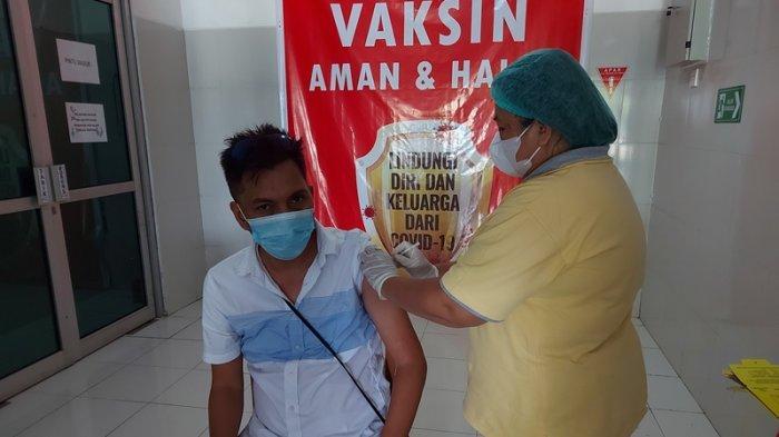 Tokoh Masyarakat Bitung Jacky Ticoalu Ajak Masyarakat Ikut Vaksinasi Covid-19