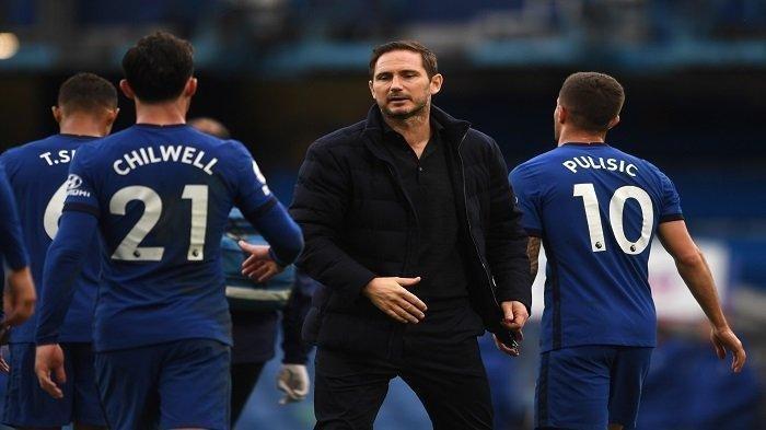 Jadwal Live Streaming SCTV Rennes vs Chelsea - Pelatih Chelsea, Frank Lampard (tengah) bereaksi saat peluit akhir pertandingan sepak bola Liga Utama Inggris antara Chelsea dan Crystal Palace di Stamford Bridge di London pada 3 Oktober 2020.