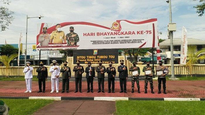 498 Personel Jajaran Polda Sulut Menerima Kenaikan Pangkat di Hari Bhayangkara ke-75