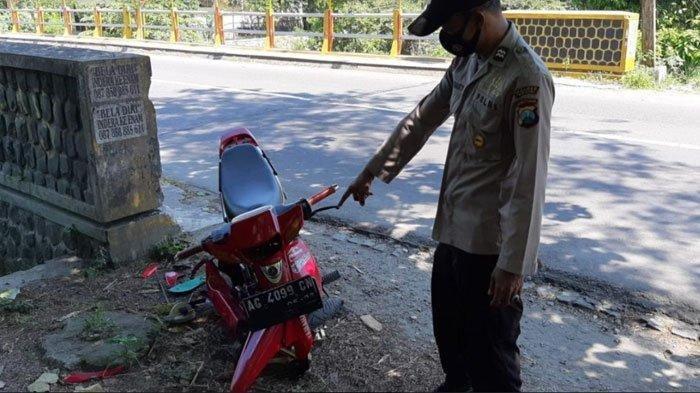 Kecelakaan Maut Pukul 07.30 WIB, Seorang Pengendara Tewas, Ngebut Kena Ban Lalu Hantam Jembatan
