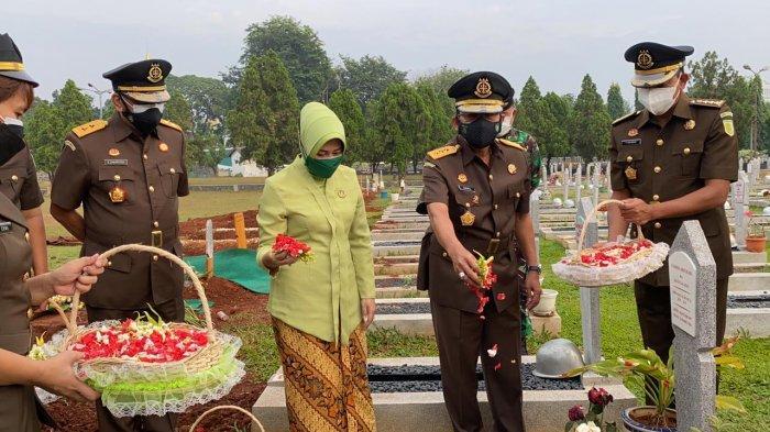 Jaksa Agung Muda Intelijen Pimpin Upacara Ziarah di Taman Makam Pahlawan Kalibata