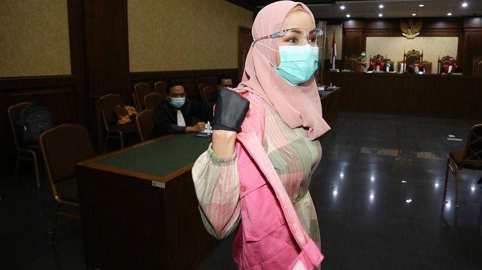 Eks Jaksa Pinangki Terpidana Kasus Suap Djoko Tjandra Dieksekusi, Penampilannya Jadi Sorotan