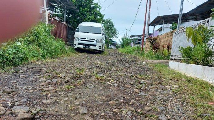 Bertahun-tahun Lewati Jalan bak Sungai Kering, Warga GPI Manado Mengeluh ke DPRD Sulut