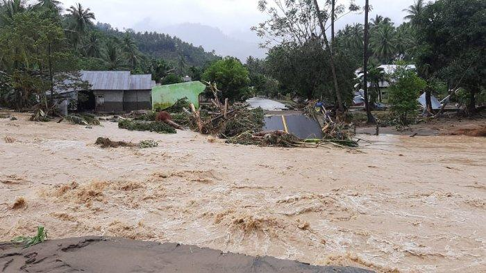 Jalan di Bolsel Putus Diterjang Banjir Bandang, Ratusan Rumah Ikut Tergenang