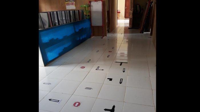 SMA Negeri 1 Lobbo Gelar KBM Pertama di Talaud di Masa Pandemi Covid-19 - jalur-masuk-dan-keluar-tamu-ke-ruang-kepala-sekolah.jpg