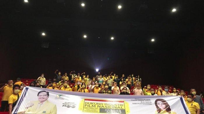 James Arthur Kojongian Pimpin Pengurus Golkar Nonton Film Habibie & Ainun 3 di Bioskop