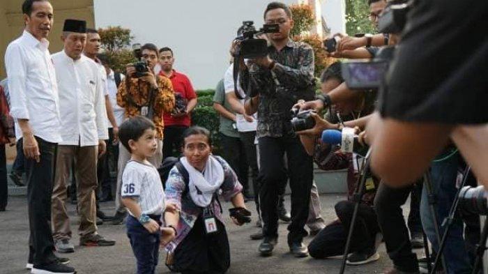 Jokowi Idul Fitri di Jogja, Tingkah LucuJan Ethes, Hormat Bendera hingga Jawab Pertanyaan Wartawan