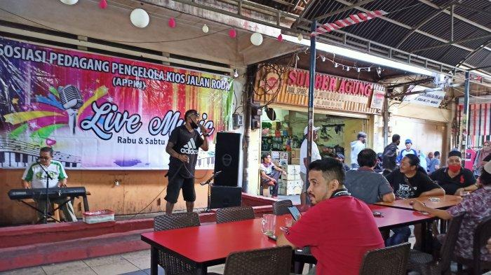 Suasana pusat kuliner Jalan Roda atau Jarod di Kota Manado beberapa waktu lalu.
