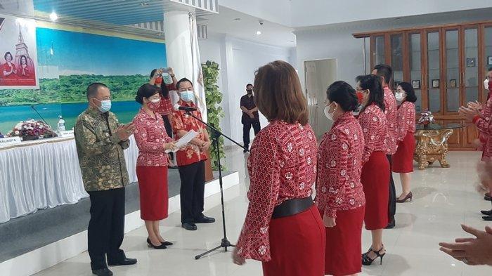Pengurus Dekranasda Kota Tomohon Dilantik, Jeandarc Karundeng: Ayo Gelorakan Bangga Buatan Indonesia