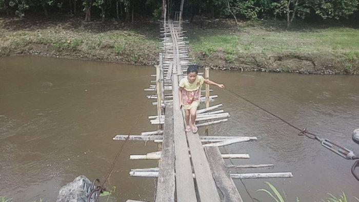 Kisah Jembatan Kayu Reot di Manado, Makan Puluhan Korban, Warga Harap Perhatian dari Wali Kota Baru