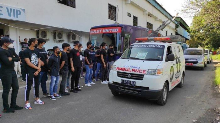 Isak Tangis Sambut Kepulangan Leo Soputan ke Stadion Klabat Manado