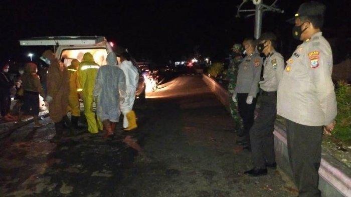 Polisi Kawal Jenazah Pasien Covid-19 yang Meninggal di RSUD Mala Talaud