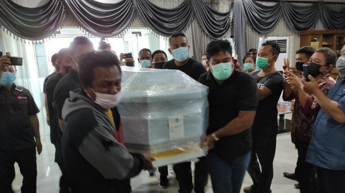Berikut Rundown Penjemputan Hingga Pemakaman Jenazah Wabup Sangihe Helmud Hontong