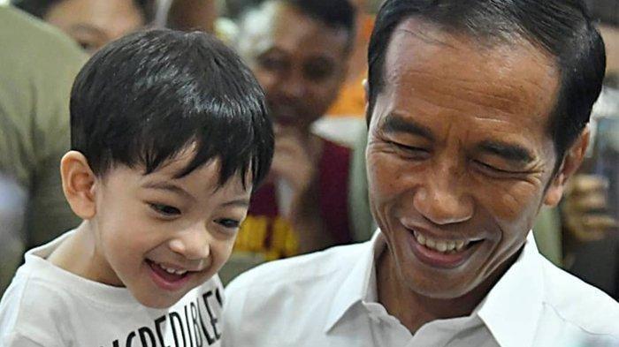 VIRAL, Video Presiden Jokowi Diwawancarai Sambil Diselingi Celotehan Cucunya Jan Ethes