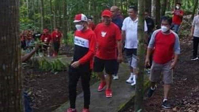 Joune Ganda Latihan Fisik Bersama Atlet Bola Voli PON Sulut Jalan Kaki Susuri Hutan Kenangan