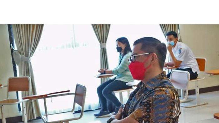 Belajar Filsafat dan Reformasi Administrasi Negara, Intip Kuliah Pasca Sarjana Joune Ganda di UNIMA
