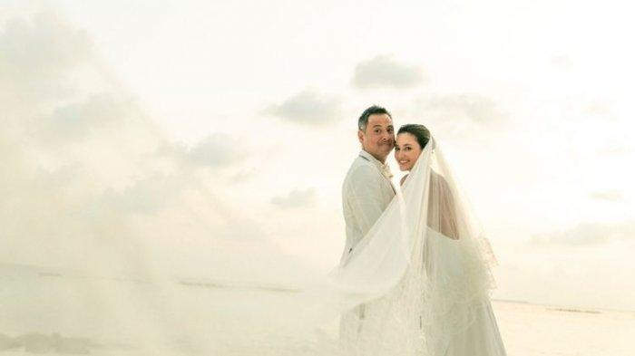 Julie Estelle resmi menikah dengan David Tjiptobiantoro