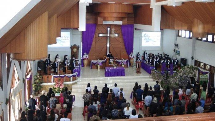 Ibadah Jumat Agungdi Tombatu Minahasa Tenggara Berjalan Aman dan Damai