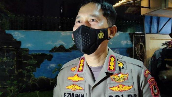 Kabid Humas Polda Sulsel Kombes Pol E Zulpan, saat ditemui di sekitar lokasi kejadian bom bunuh diri Gereja Katedral, Jl Kajaolalido, <a href='https://manado.tribunnews.com/tag/makassar' title='Makassar'>Makassar</a>, Minggu (28/3/2021) malam.