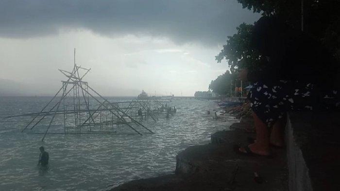 Angin Kencang Disertai Hujan Deras Melanda Kabupaten Kepulauan Talaud