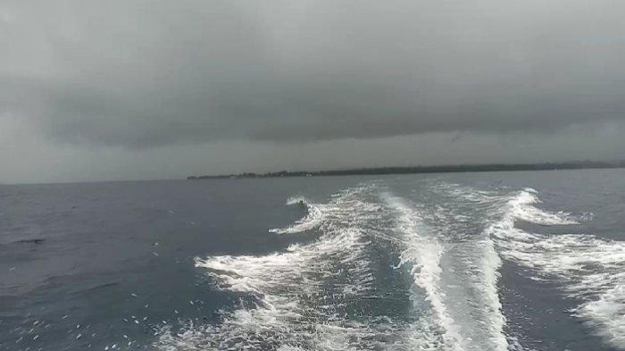 Kabupaten Kepulauan Talaud, Sulawesi Utara sejak beberapa hari ini dilanda angin kencang dan hujan deras.