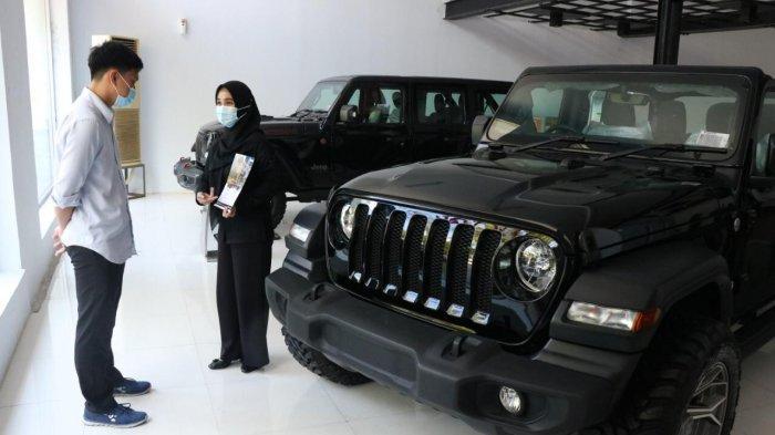Kalla Kars menggelar promo istimewa, setiap pembelian Jeep Wrangler Sport, konsumen berhak atas moge Benelli Imperiale 400 plus iPhone 12 Promax dan emas.