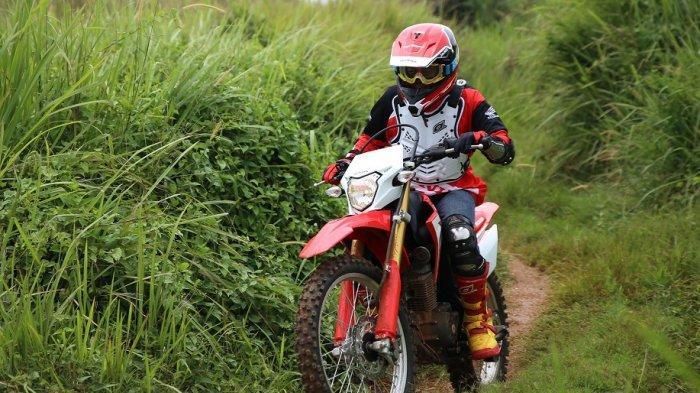 Kamu Hobi Riding Off Road? Simak, Inilah Riding Gear yang Tepat!