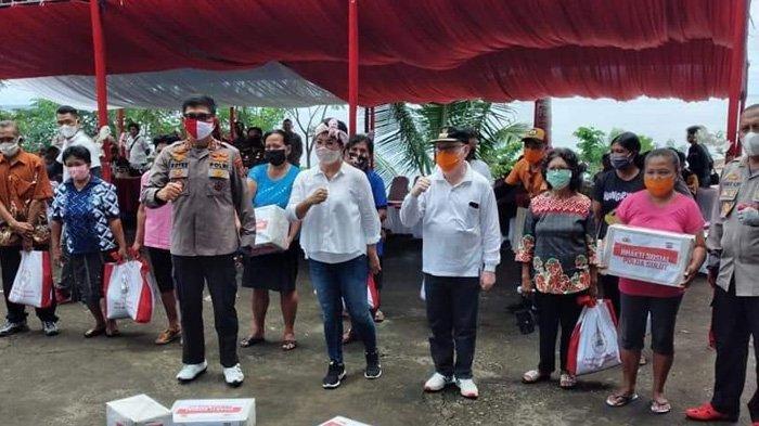 Bagikan Bansos di Sitaro, Sasingen: Terima Kasih Pak Kapolda