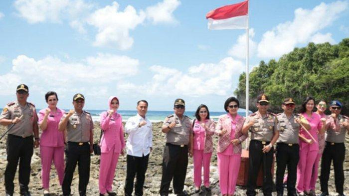 Kapolda Sulut Kunjungi Pulau Terluar NKRI, Sesaat Nikmati Pemandangan Alam di Tanjung Miangas