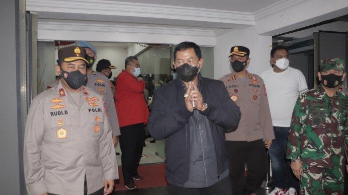 Tiba di Manado, Kapolda Sulut Irjen Pol Nana Sudjana Disambut Olly Dondokambey