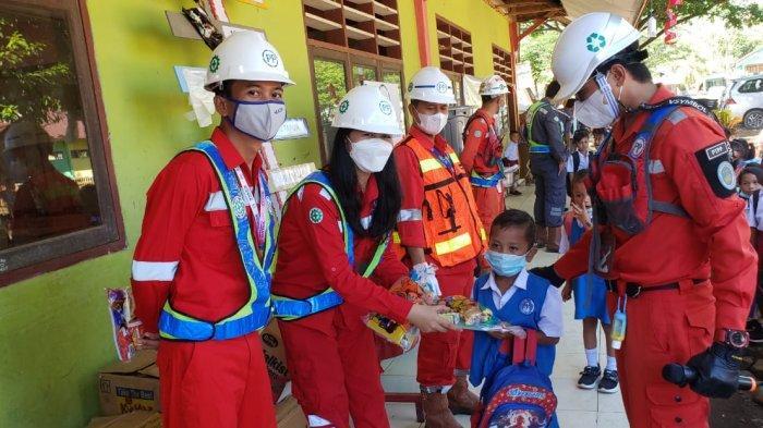 PT PP Proyek Bendungan Lolak Bolmong Salurkan CSR ke SDN Totabuan