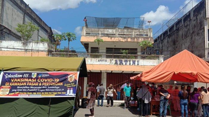 Karyawan Toko dan Pedagang Pasar di Kotamobagu Mulai Divaksin Covid-19