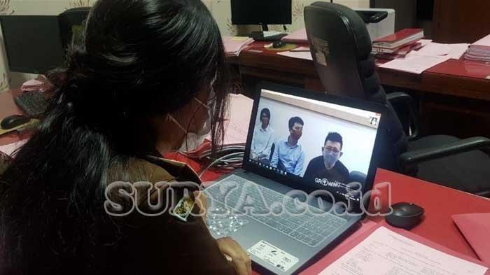 Proses tahap II yang dilakukan jaksa Kejati Jatim terhadap tersangka Hanny Layantara yang dilakukan secara online, Selasa (5/5/2020) silam.