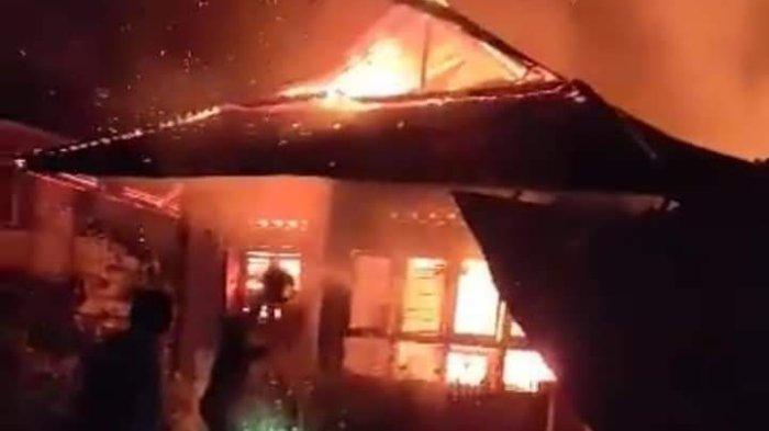 BREAKING NEWS, Rumah Pasangan Lansia di Pakuure Minsel Ludes Terbakar