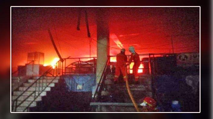 Kejadian Tadi Malam, 392 Kios Terbakar, Dampaknya Belum Ada Pedagang Yang Berjualan di Pasar Inpres