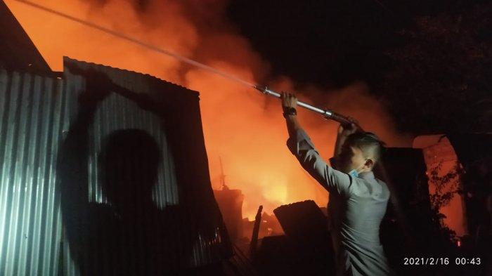 Kebakaran di Pasar Paniki