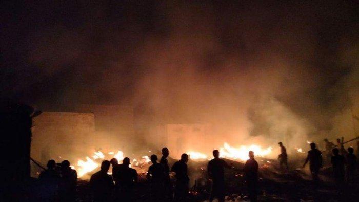 Kebakaran di Pinaesaan Minsel, 20 Unit Rumah Warga yang Dibangun Sejak 1970-an Ludes Terbakar