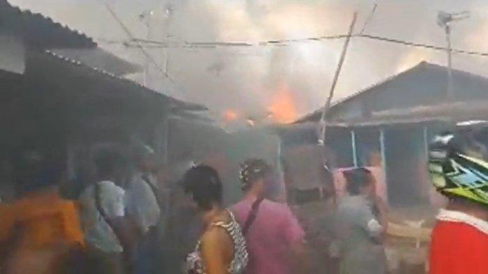 BREAKING NEWS Kebakaran di Pasar Tua Kota Bitung, Warga Menangis Histeris