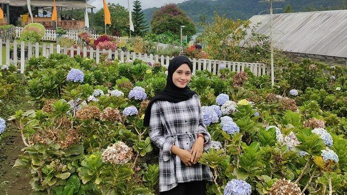 Kebun Strawberry D'Moat Boltim, Destinasi Tepat untuk Berwisata Bersama Keluarga Diakhir Pekan