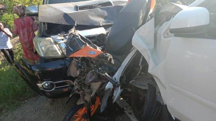 Kecelakaan Maut, Suami Istri Tewas di Tempat, Motor Korban Ditabrak 2 Mobil dari Depan dan Belakang