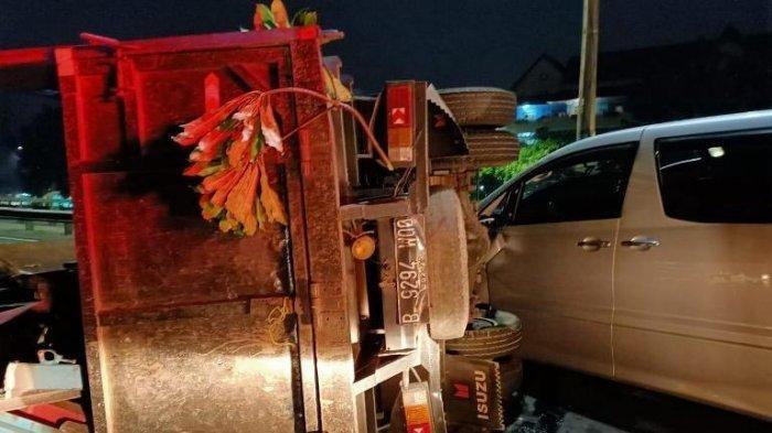 Kecelakaan Beruntun Tol Pulo Gebang, Mobil Truk hingga Xenia, Lidia Terlempar Masuk ke Bawah Alphard