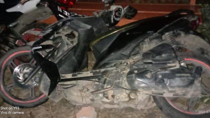 Kecelakaan Maut Pukul 22.15 WIB, 2 Pengendara Motor Tewas, Beat Senggol Pemotor dan Hantam Pertamini