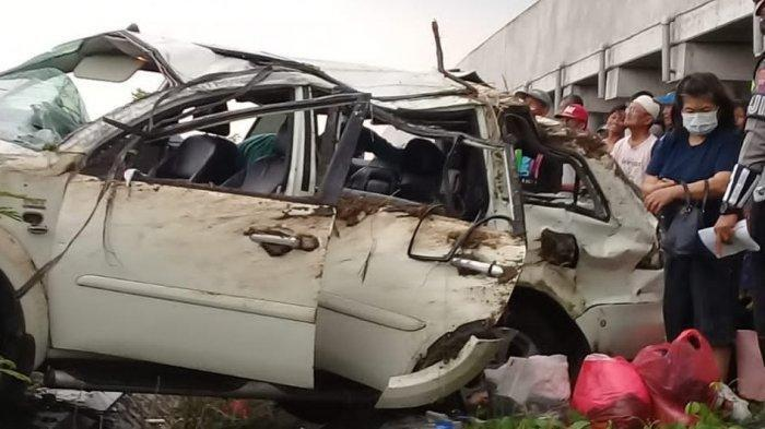 Kecelakaan Pajero Tabrak Pembatas Jalan, Korban Satu Keluarga Berjumlah 6 Orang, Kendaraan Ringsek