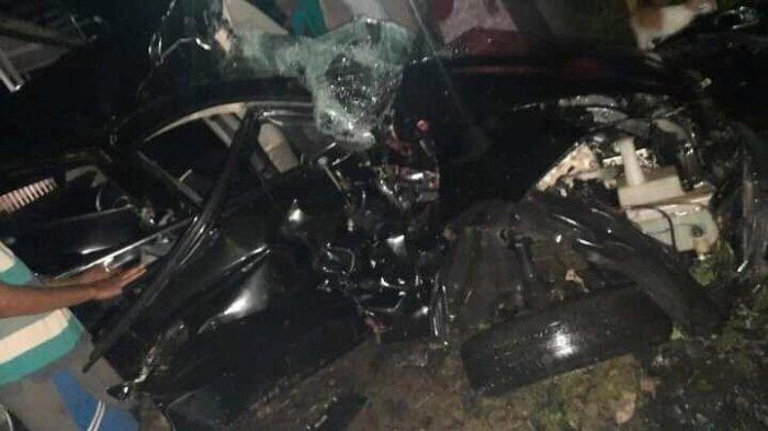 Kecelakaan Maut, 2 Orang Mahasiswa Tewas, Mobil Mirage Korban Tertabrak Kereta dan Terseret 50 Meter