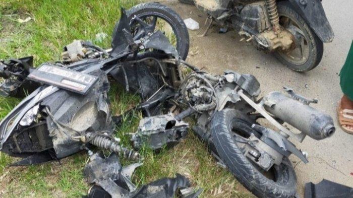 Kecelakaan Maut Pkl 10.00 WIB Selasa Pagi, Satu Keluarga Tewas di Tempat, Tabrakan Mobil vs Motor