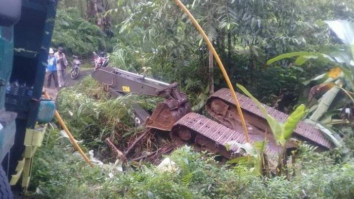 Kecelakaan lalu lintas tunggal terjadi di ruas jalan Makasili-Kumelembuai, Kecamatan Kumelembuai Kabupaten Minahasa Selatan (Minsel)m, Provinsi Sulawesi Utara pada Kamis (7/1/2021)